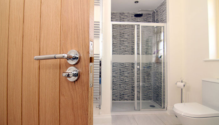 door_bathroom_700X400